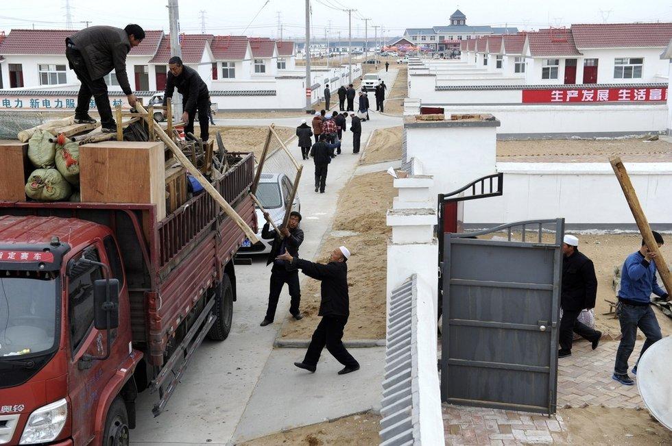 西海固移民35万,功德无量大工程 - 容全堂 - 容全堂