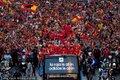 西班牙全队游街庆祝
