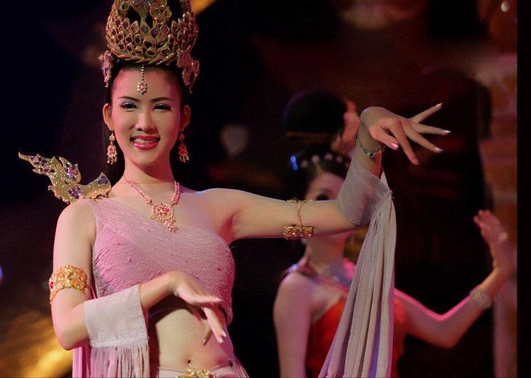 泰国人妖皇后coco_泰国人妖皇后最全写真装修论坛团购论坛我