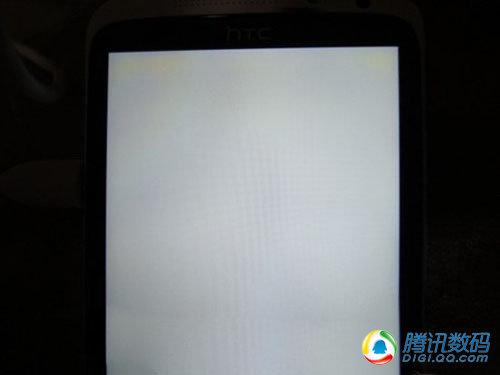 HTC One X黄斑屏问题