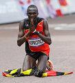 高清:男子马拉松乌干达选手夺冠 肯尼亚获银铜