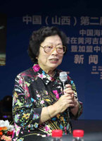 著名歌唱家王昆老师给予李雨儿极高评价