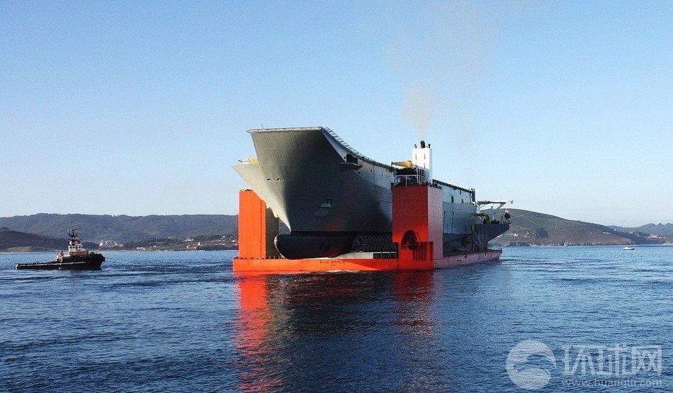澳大利亚船坞登陆舰被整体启运归国(组图)