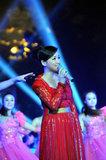 央视中秋晚会录制 王莉外景献歌《相亲相爱》