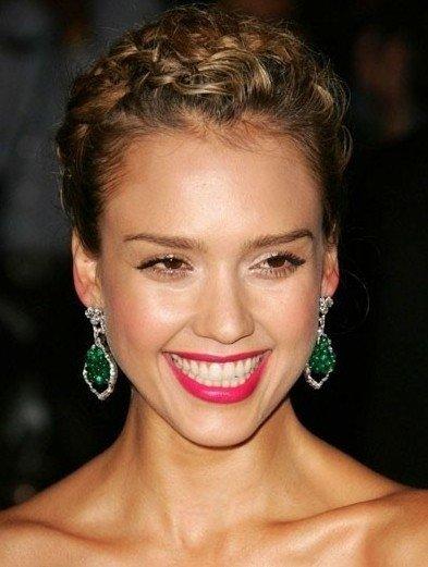 窄额头脸圆适合发型 额头窄脸长适合发型 窄额头大脸适合的发型