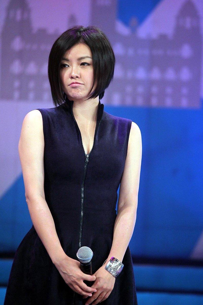 查可欣签约金牌推手黄伟菁 将赴美制作新专辑