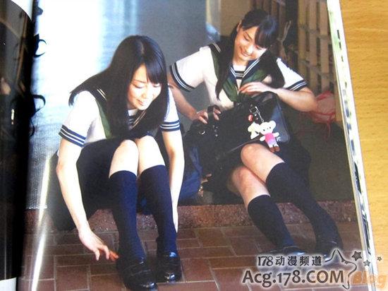 日本美女声优发售写真集赠水手服