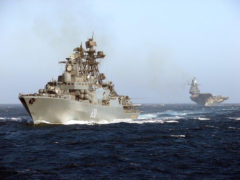 俄罗斯航母编队 罕见公开出海航行(转载)