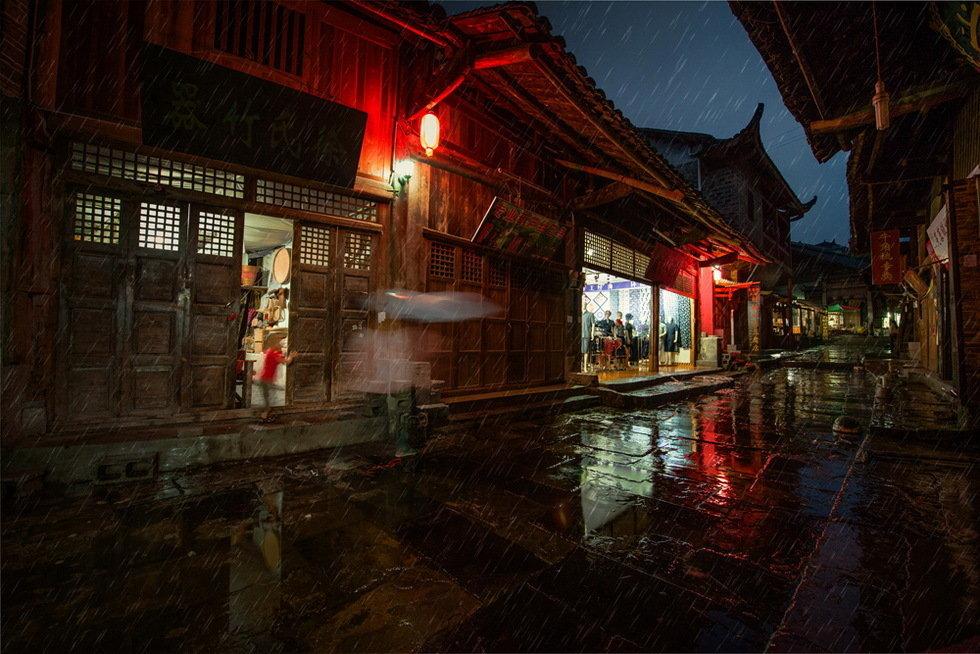 雨中古镇-许家庭