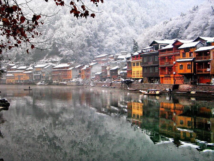 雪映沱江-刘菊桂