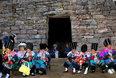 天下凤凰摄影大展摄影作品 苗族婚喜(组) 杨志光 参加婚喜的村里的姐妹们
