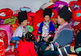 天下凤凰摄影大展摄影作品 苗族婚喜(组) 杨志光 在新房对苗歌