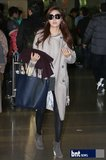 金荷娜亮相机场 赴台湾宣传《绅士的品格》