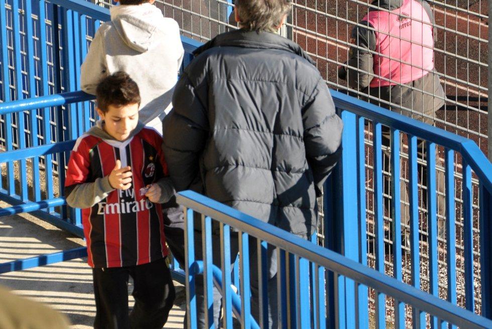 腾讯直击米兰退赛 球员遭羞辱博阿滕脱衣离场[15P] 休闲娱乐,预览图10