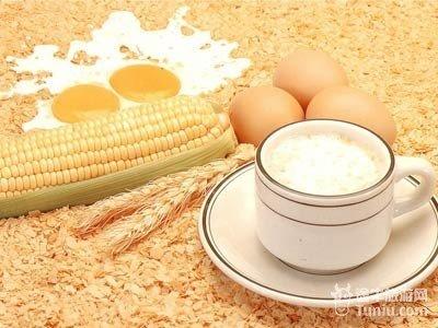 8.早餐燕麦片、玉米片  小麦、大麦、大米和燕麦等谷类,一直是人类