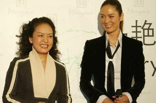 中国人民解放军总政歌舞团团长.中国著名女高音歌唱家,中国当