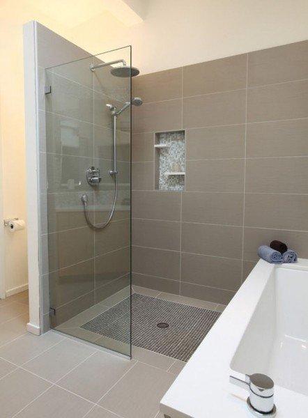 [转载]卫生间家居装修图:25款玻璃淋浴房欣设计案例