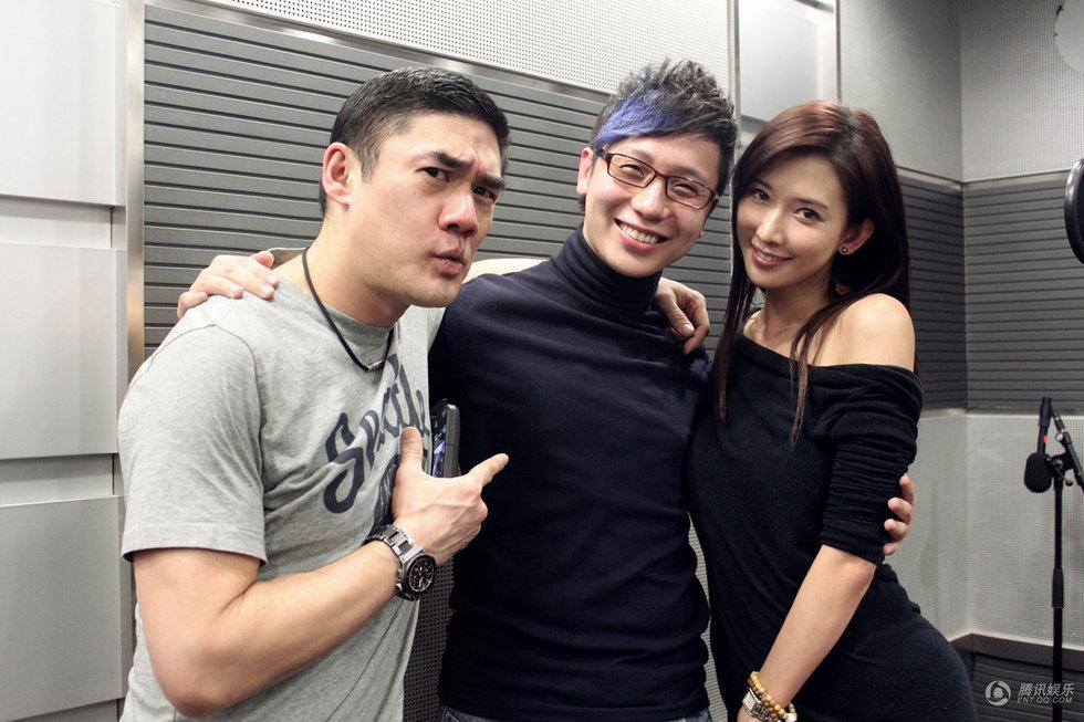 李鸣宇BTV春晚搭档林志玲 上演激情吻戏 娱