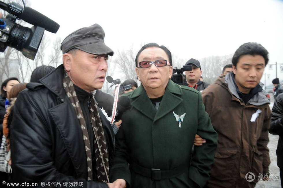 相声演员王平追悼会 侯耀华等现身送其最后一程