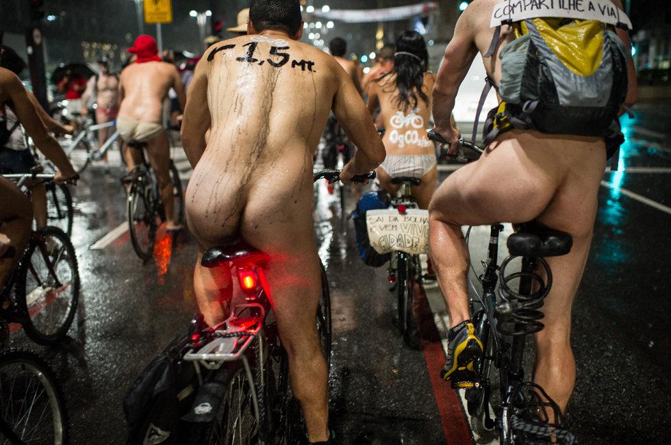 巴西举办年度裸骑活动 抗议尾气排放(高清图) - 春风 - 多彩贵州
