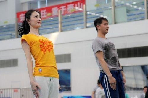《星跳水立方》今年力邀请王丽坤、韩庚、沙宝亮、吴建豪等众多演图片