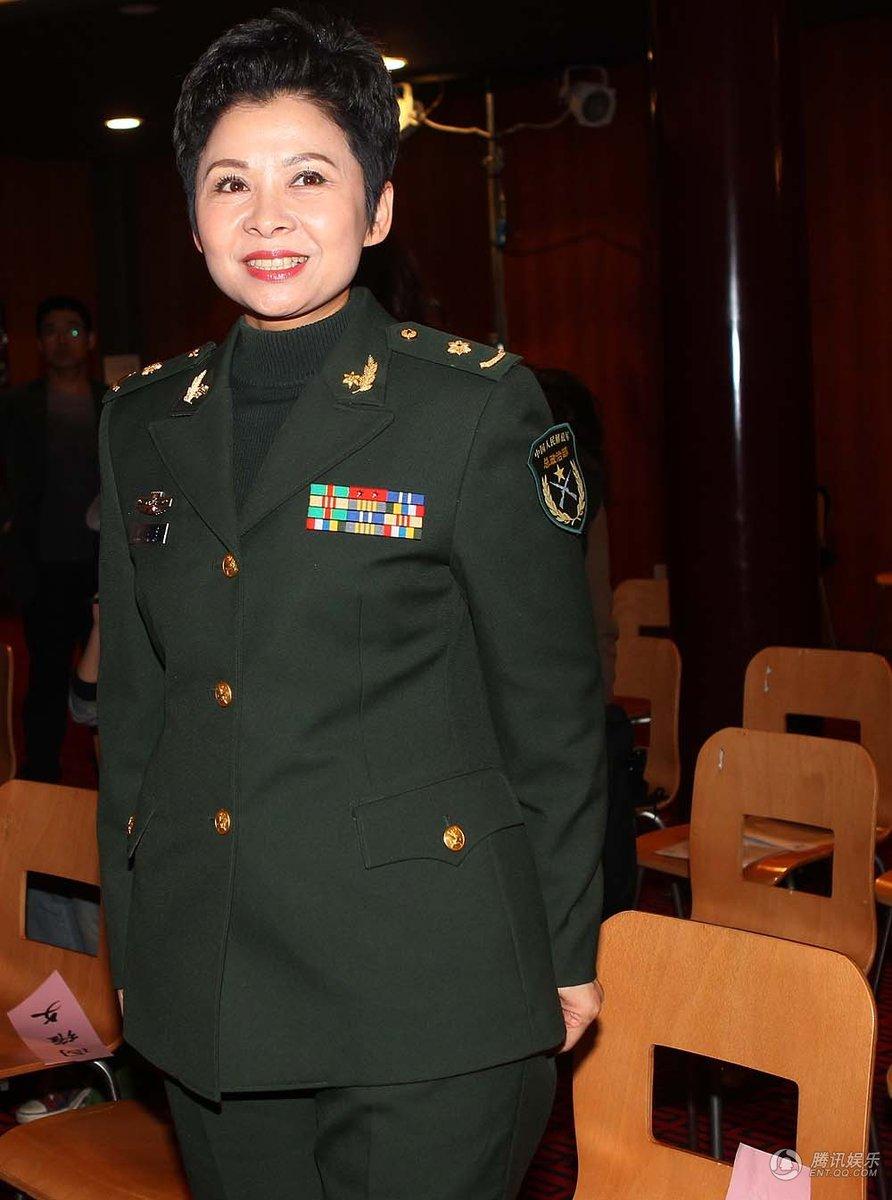 昨日,著名歌唱家董文华亮相北京国家大剧院 - h_x_y_123456 - 何晓昱的博客