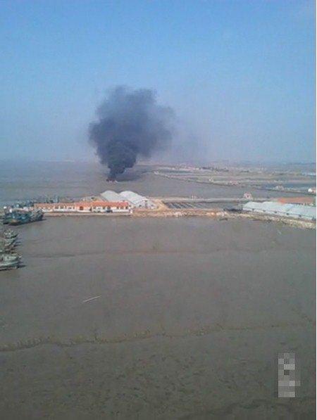 31日下午一架苏-27UBK战斗机在山东坠毁 - 海军粉丝-Navy fans  - 影友-海涛的博客