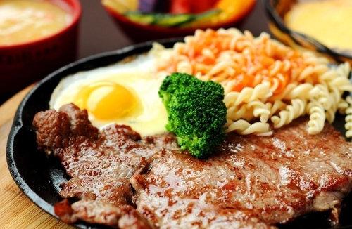 约会聚餐首选 西安人均40元牛排小馆