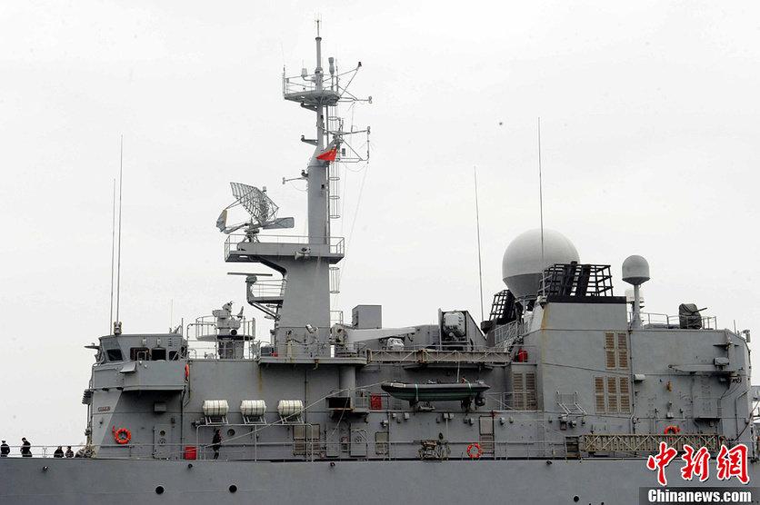 法国海军护卫舰抵达香港 市民可登船参观