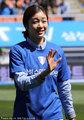 高清:金妍儿跨界秀球技 甜美笑容秒杀全场