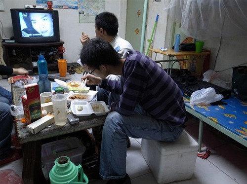 郑州市蜗居生活图片现实_网络女主播的真实生活蜗居10平米图图片第2