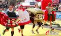 高清:维也纳马拉松赛 选手奇装异服造型搞怪