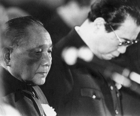 历史学者章立凡受胡耀邦家属委托,在治丧期间负责记录每日的情况,图片