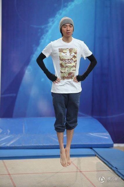 俞灏明参加跳水节目 力证 已是正常人