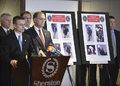 高清:警方公布波士顿马拉松爆炸案嫌犯图像