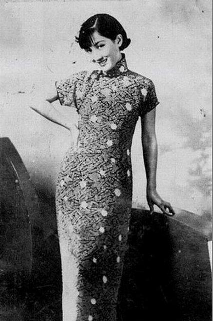 民国女子展旗袍之媚