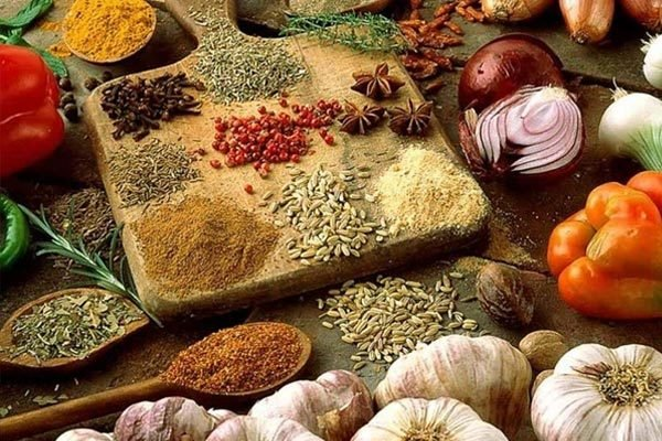 的印度印度的食物在世界上独具特色.印度人做菜喜欢用调料,