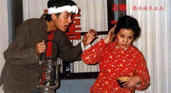 大学期间,同班同学赵薇和陈坤,一起排演话剧《白毛女》.-北影