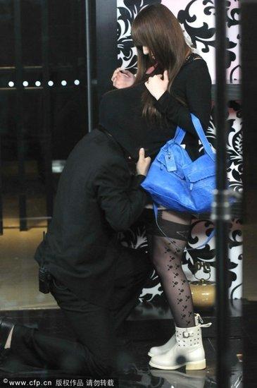波多野结女星当街掀衣香港衣被里电影图片