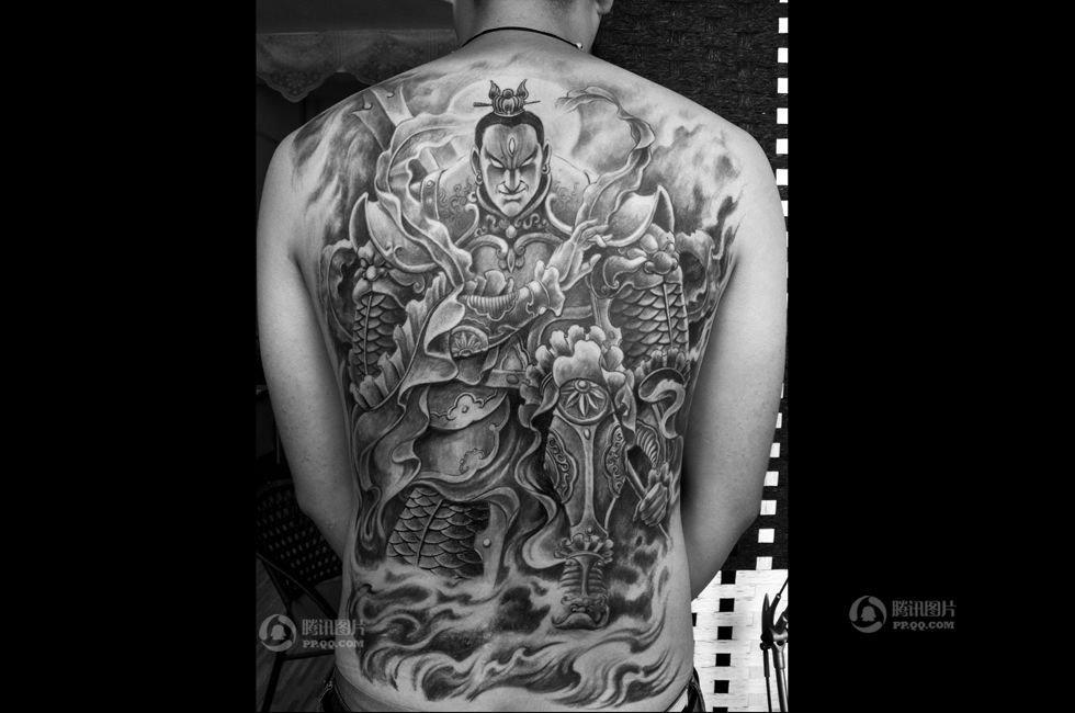 中国人的一天第1238期:纹身师