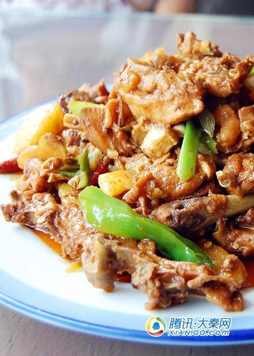 7.胡杨林新疆餐厅:他家的大盘鸡和别家的是不一样的味道,略带苦