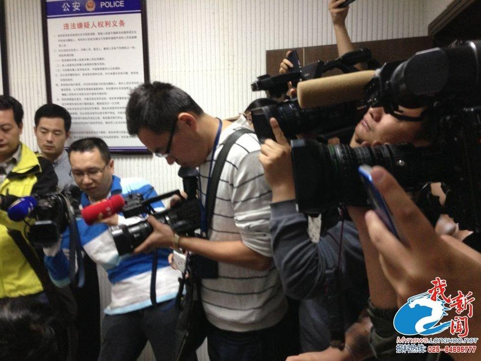 深圳泼硫酸事件嫌疑犯被抓为23岁男子 (25)