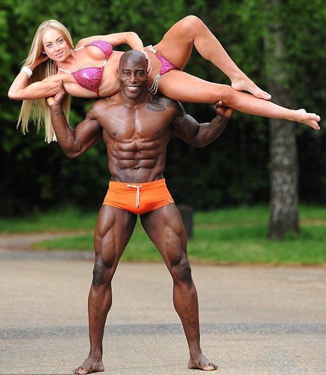 高清:世界健美比赛冠军夫妻海量私照曝光