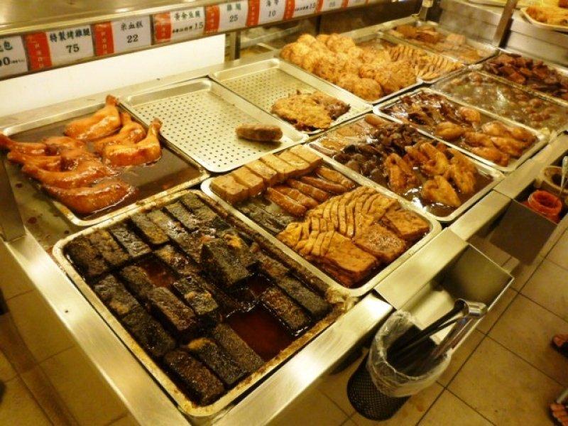 超市中的食物香气  购物时最容易饿,再被超市中点心、肉制品的香