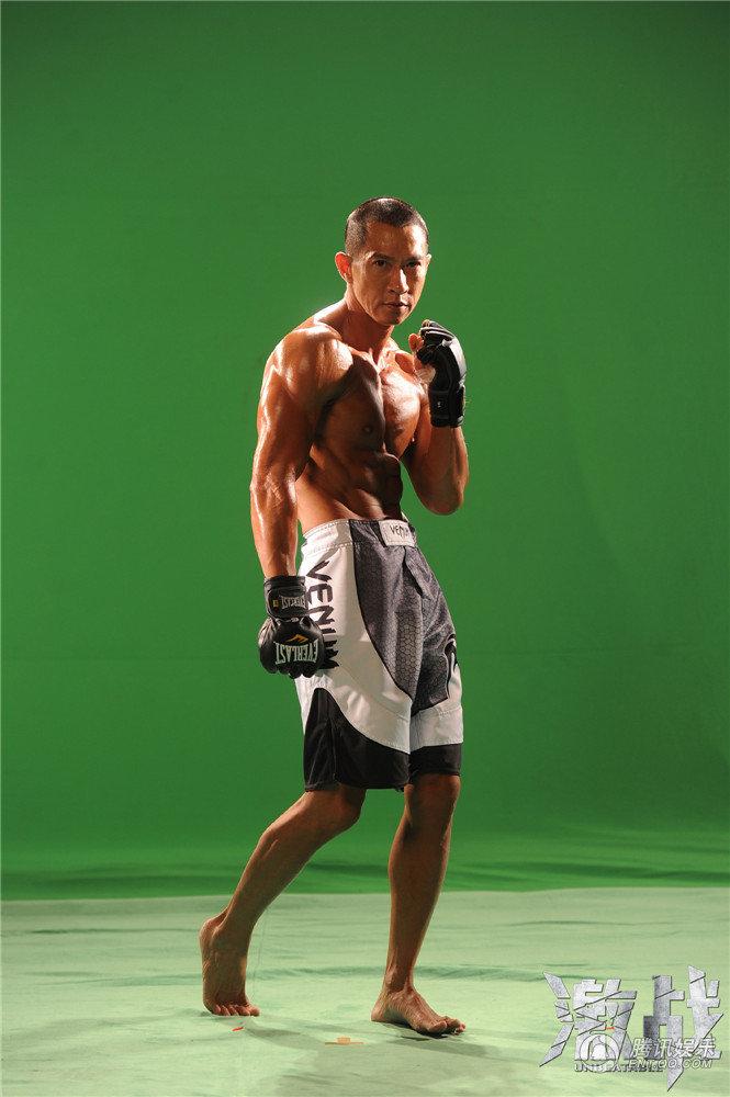 激战 发天然肌肉照 张家辉彭于晏搏命练体型图片