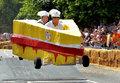 英肥皂盒汽车赛 古怪造型引爆全场