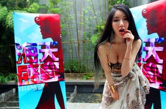 海天盛宴 海选女演员 嫩模拼豪车斗身材图片