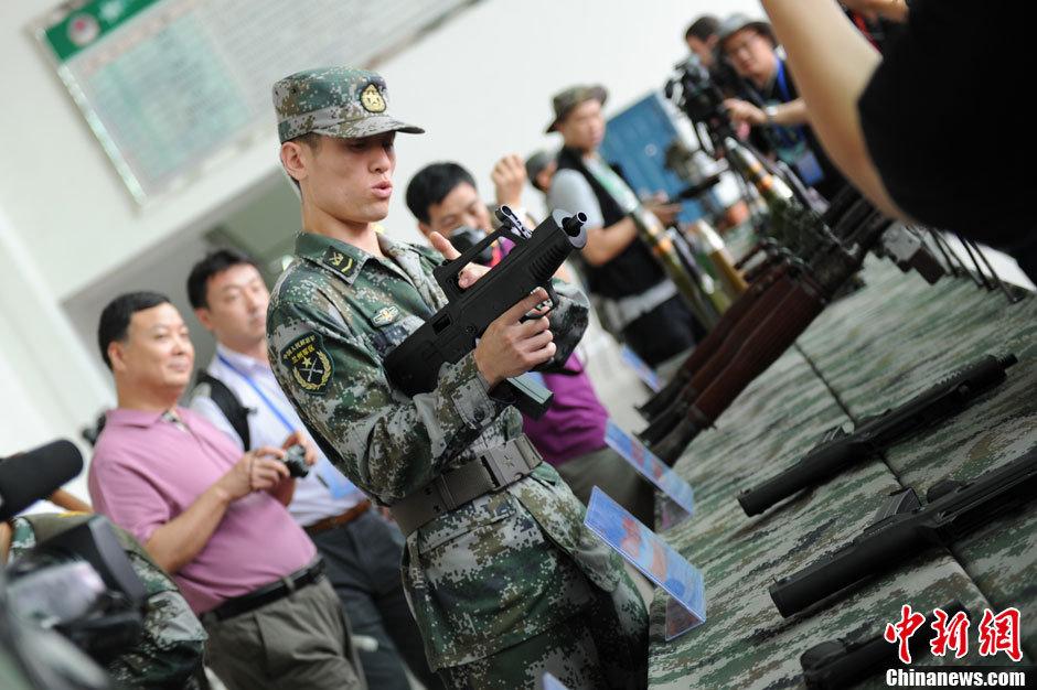 7月29日,中国人民解放军陆军第47集团军防空旅向中外记者开放,48