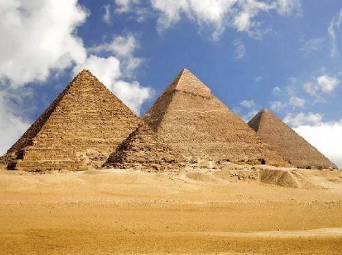 法老是古埃及的国王,金字塔是法老的陵墓.法老为什么要建造金字塔图片