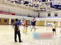 高清:姚明夫妇教女儿打篮球 小姑娘叉腰叫好